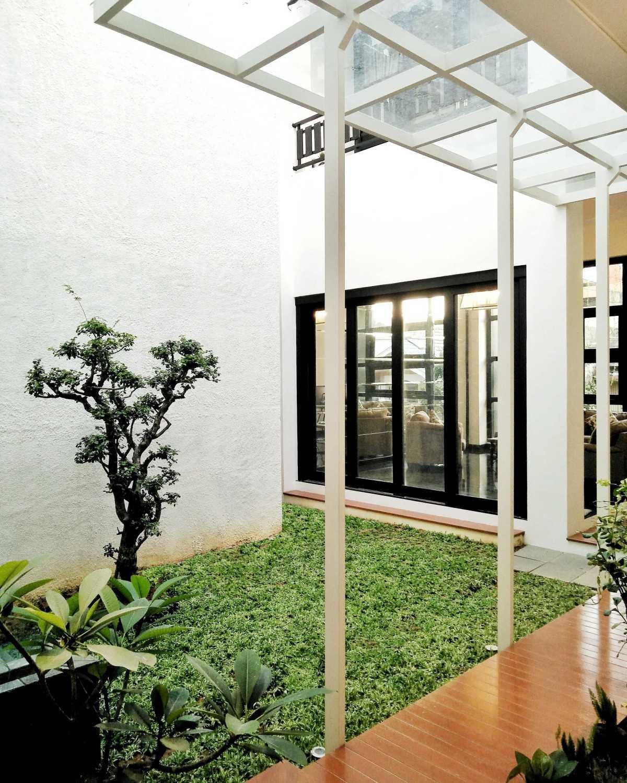 Padupadani Architect Martalena Green House Pontianak, Kota Pontianak, Kalimantan Barat, Indonesia Pontianak, Kota Pontianak, Kalimantan Barat, Indonesia Img20170518144539856  37651