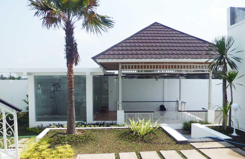 Foto inspirasi ide desain taman klasik Cimg3595 oleh Vastu Cipta Persada di Arsitag