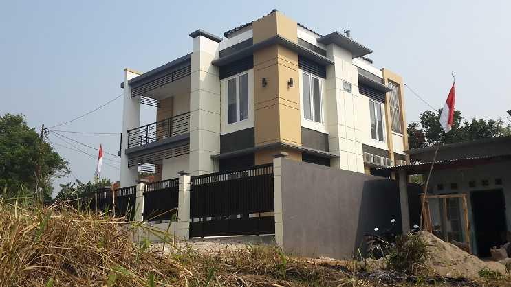 Fdesign Architect Pamulang House Pamulang, Kota Tangerang Selatan, Banten, Indonesia Pamulang, Kota Tangerang Selatan, Banten, Indonesia Exterior View  49567