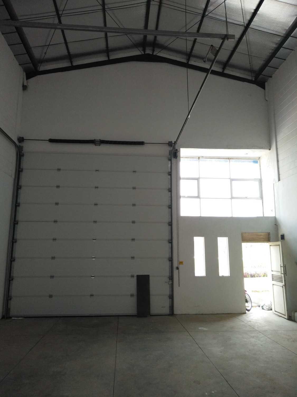 Cv. Infinity Build, Design, Property Kuta Waringin Industrial Park Kavling B Nanjung, Margaasih, Bandung, Jawa Barat, Indonesia Nanjung, Margaasih, Bandung, Jawa Barat, Indonesia Interior Industrial 40378