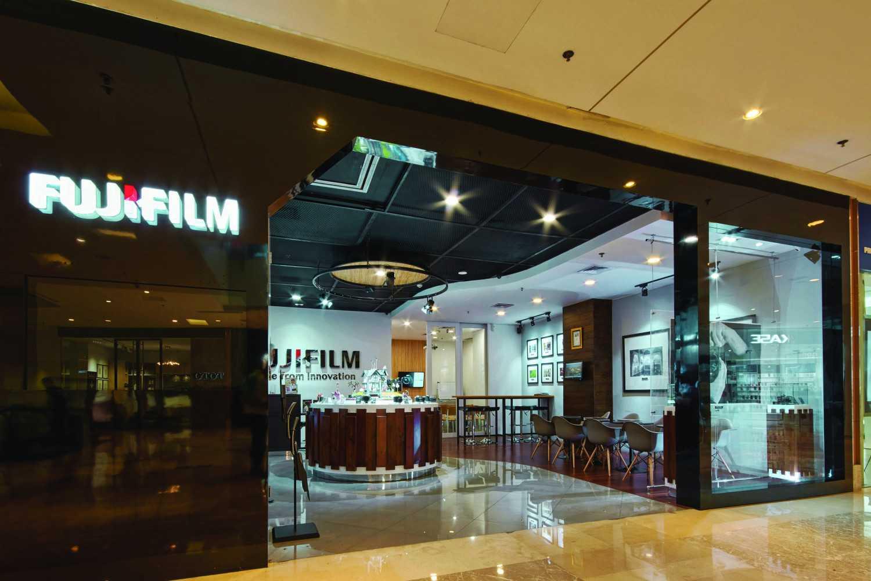 Project Fujifilm Indonesia Showroom Interior desain ...