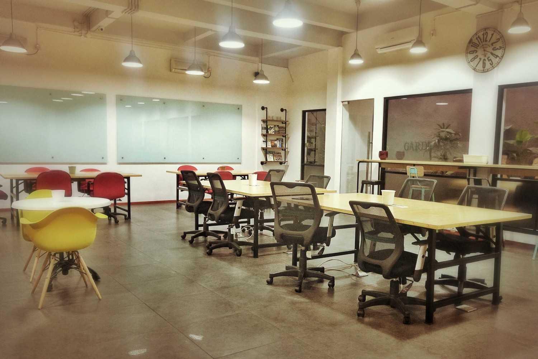 Project Tier Space Interior desain arsitek oleh Kotak ...