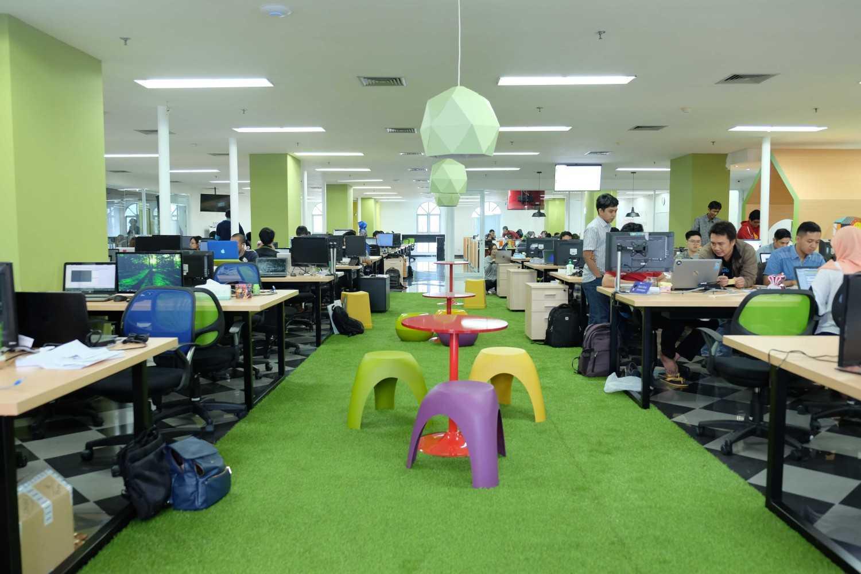 Kotak Design Kudo (Kios Untuk Dagang Online) Jakarta, Daerah Khusus Ibukota Jakarta, Indonesia  Working Area Modern 45933