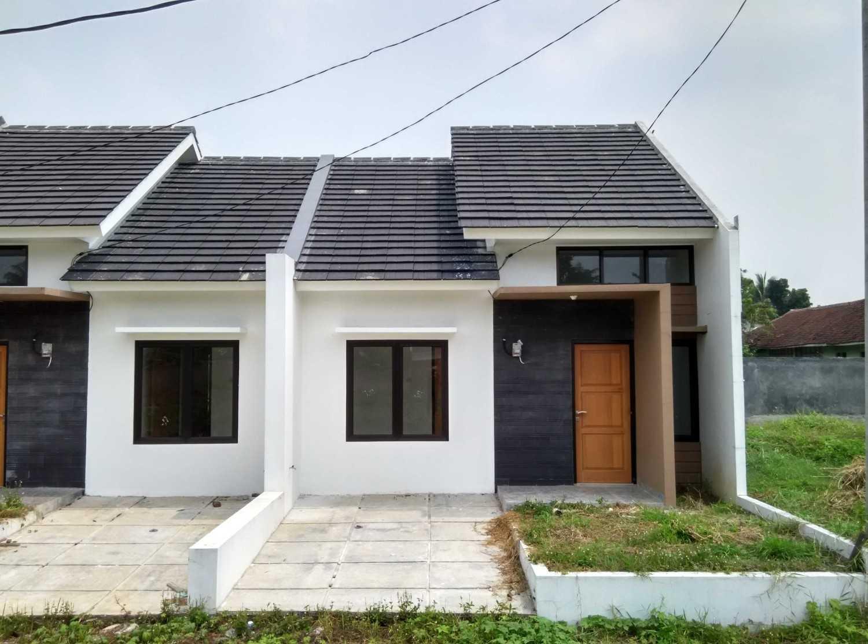 Delyuzir Architects Ayani Residence - Rangkasbitung Rangkasbitung, Kabupaten Lebak, Banten, Indonesia Rangkasbitung, Kabupaten Lebak, Banten, Indonesia Front View  46228