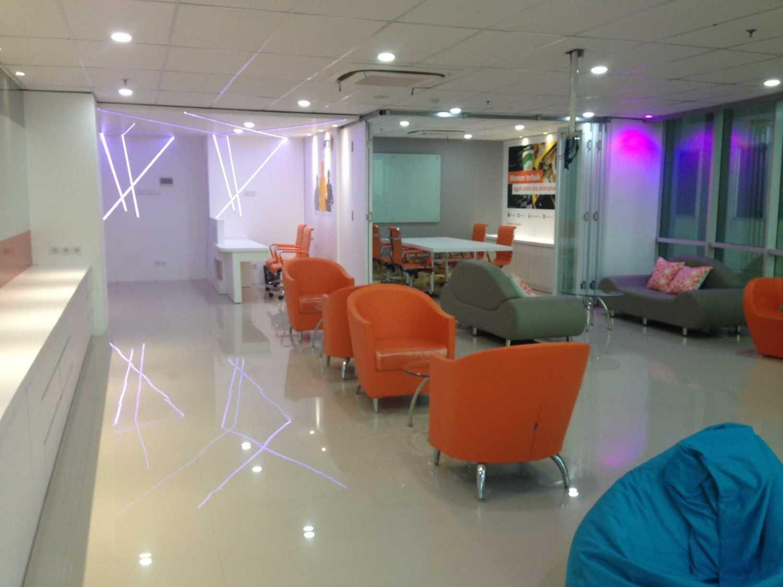 Roemah Cantik Marketing Office Palembang, Kota Palembang, Sumatera Selatan, Indonesia Palembang, Kota Palembang, Sumatera Selatan, Indonesia Seating Area  43142
