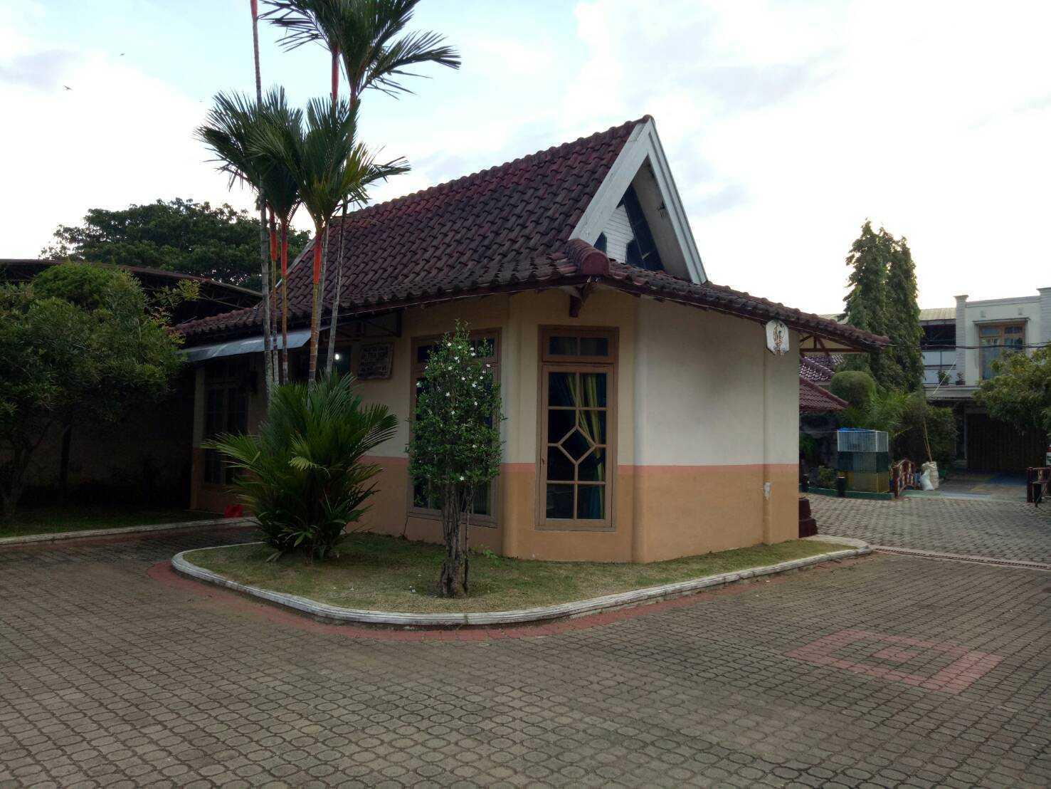 Sevi Edelweis Klinik Dokter Dan Kantor  Bandar Lampung, Kota Bandar Lampung, Lampung, Indonesia Bandar Lampung, Kota Bandar Lampung, Lampung, Indonesia Exterior View  44862