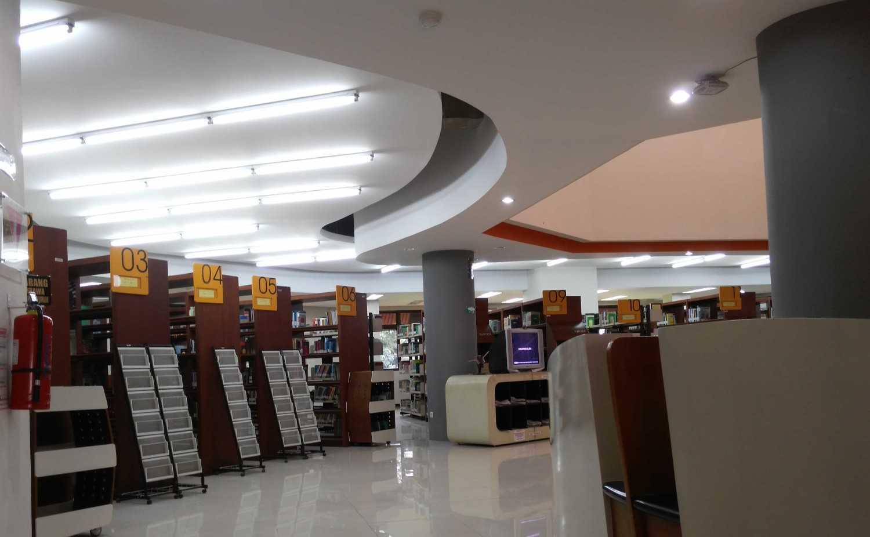 Foto inspirasi ide desain perpustakaan kontemporer Library view oleh Pavilion95 di Arsitag