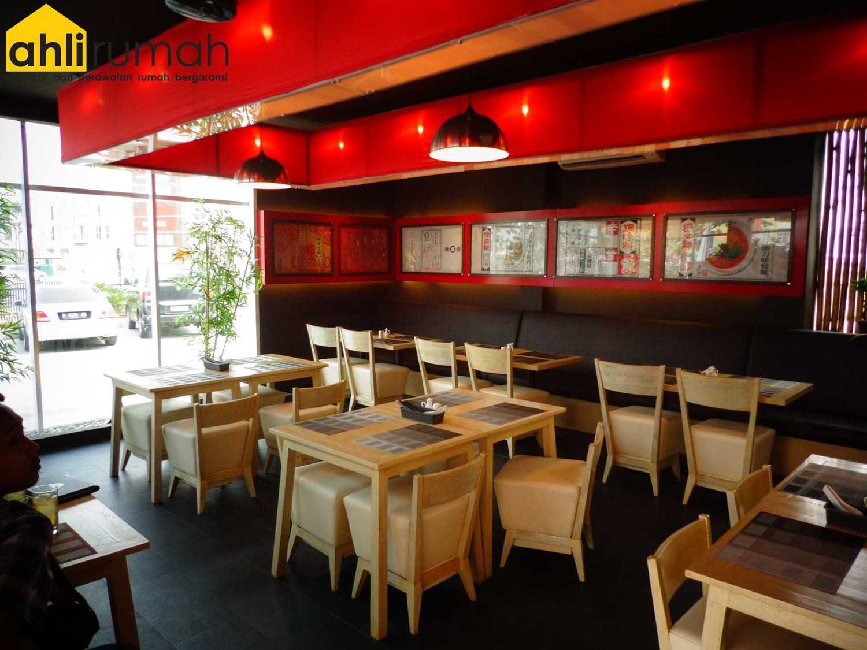 Ahlirumah.id Interior - Chin Maya Restauran Ruko Glaze 2 Blok D No. 17, Jl. Boulevard Raya Gading Serpong, Klp. Dua, Tangerang, Banten 15810, Indonesia  Seating Area Restaurant  49234