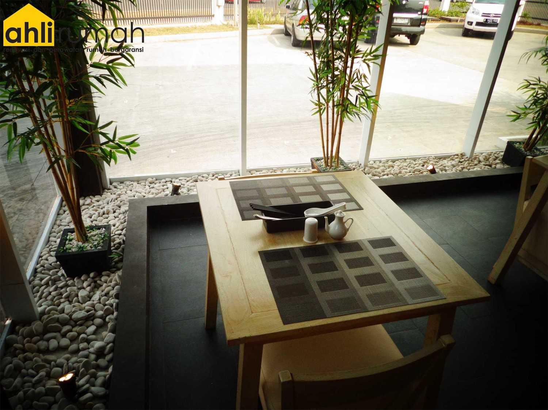 Ahlirumah.id Interior - Chin Maya Restauran Ruko Glaze 2 Blok D No. 17, Jl. Boulevard Raya Gading Serpong, Klp. Dua, Tangerang, Banten 15810, Indonesia  Seating Area Restaurant  49237