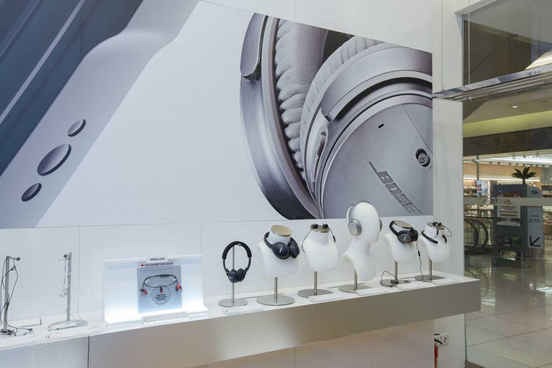Foto inspirasi ide desain display area kontemporer Display area oleh Living  Space Indonesia di Arsitag
