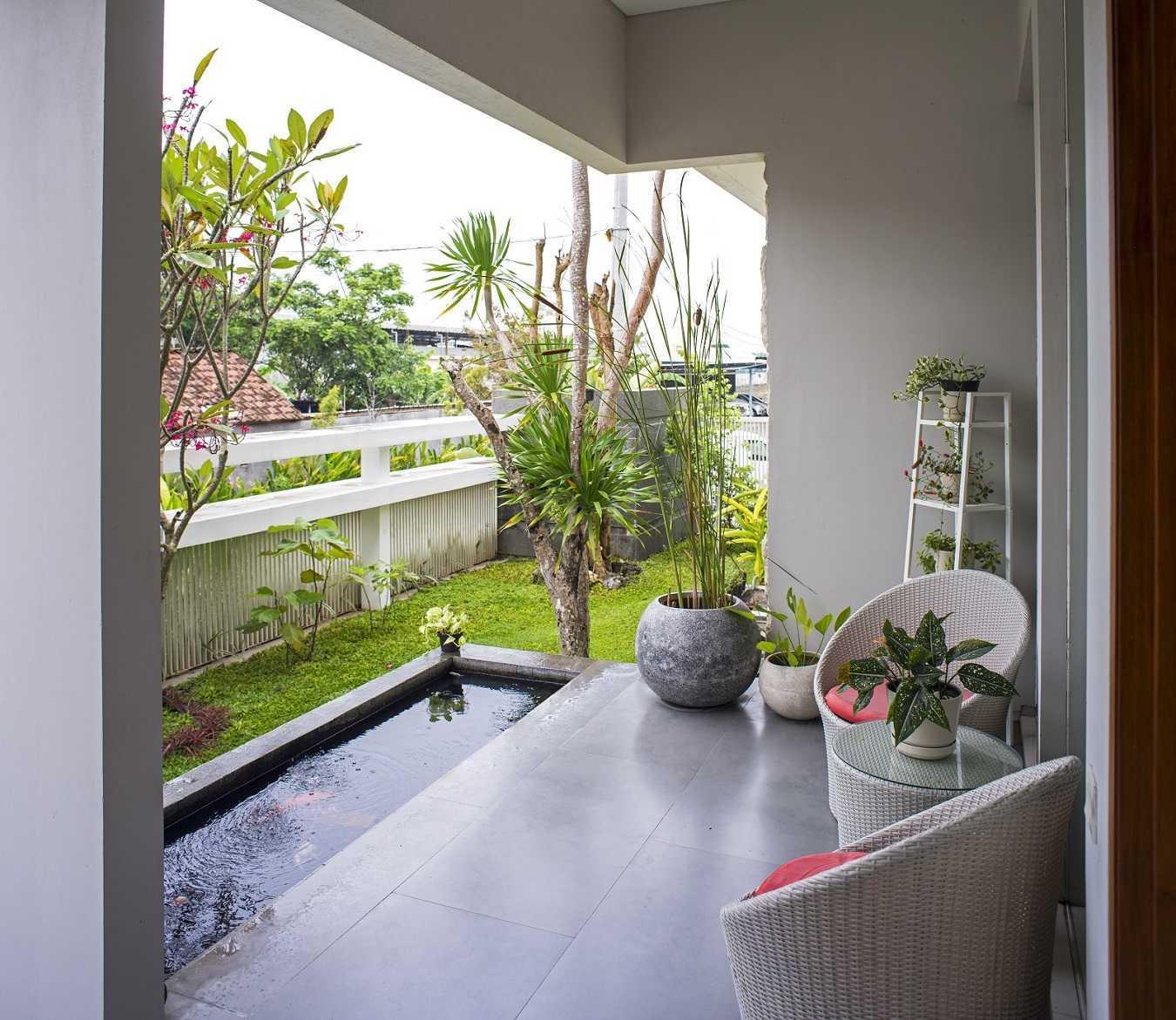 Satuvista Architect Rumah Tropis Hook Kabupaten Jombang, Jawa Timur, Indonesia Jawa Timur, Indonesia Terrace  48716