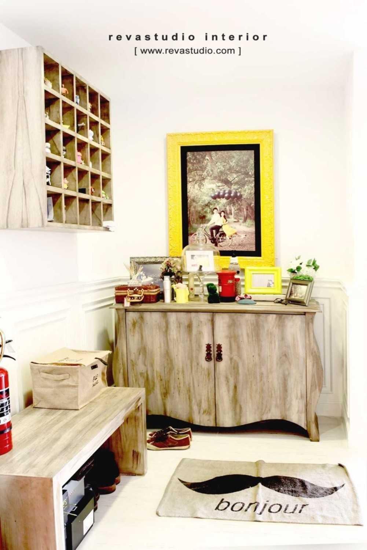Desain Foyer : Ragam ide desain apartemen minimalis modern arsitag