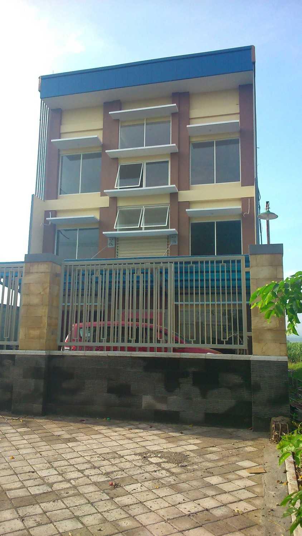 Cvpunden Kantor Pt.rajawali Penanggungan Mojosari, Mojokerto, Jawa Timur, Indonesia Mojosari, Mojokerto, Jawa Timur, Indonesia Exterior View Minimalist 48316