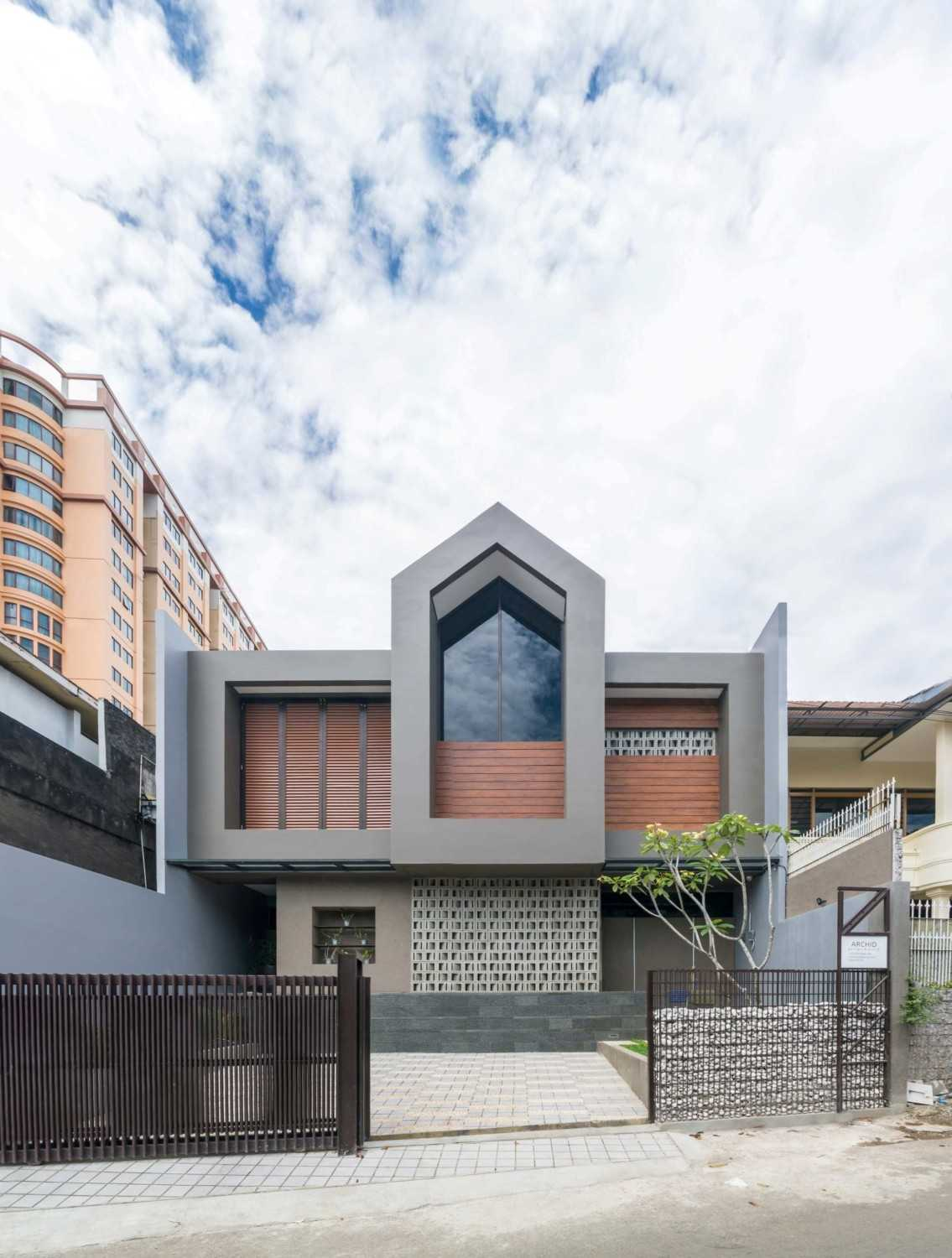 Archid Design&build Dast Residence Bandung, Kota Bandung, Jawa Barat, Indonesia Bandung, Kota Bandung, Jawa Barat, Indonesia Front View Contemporary 49026