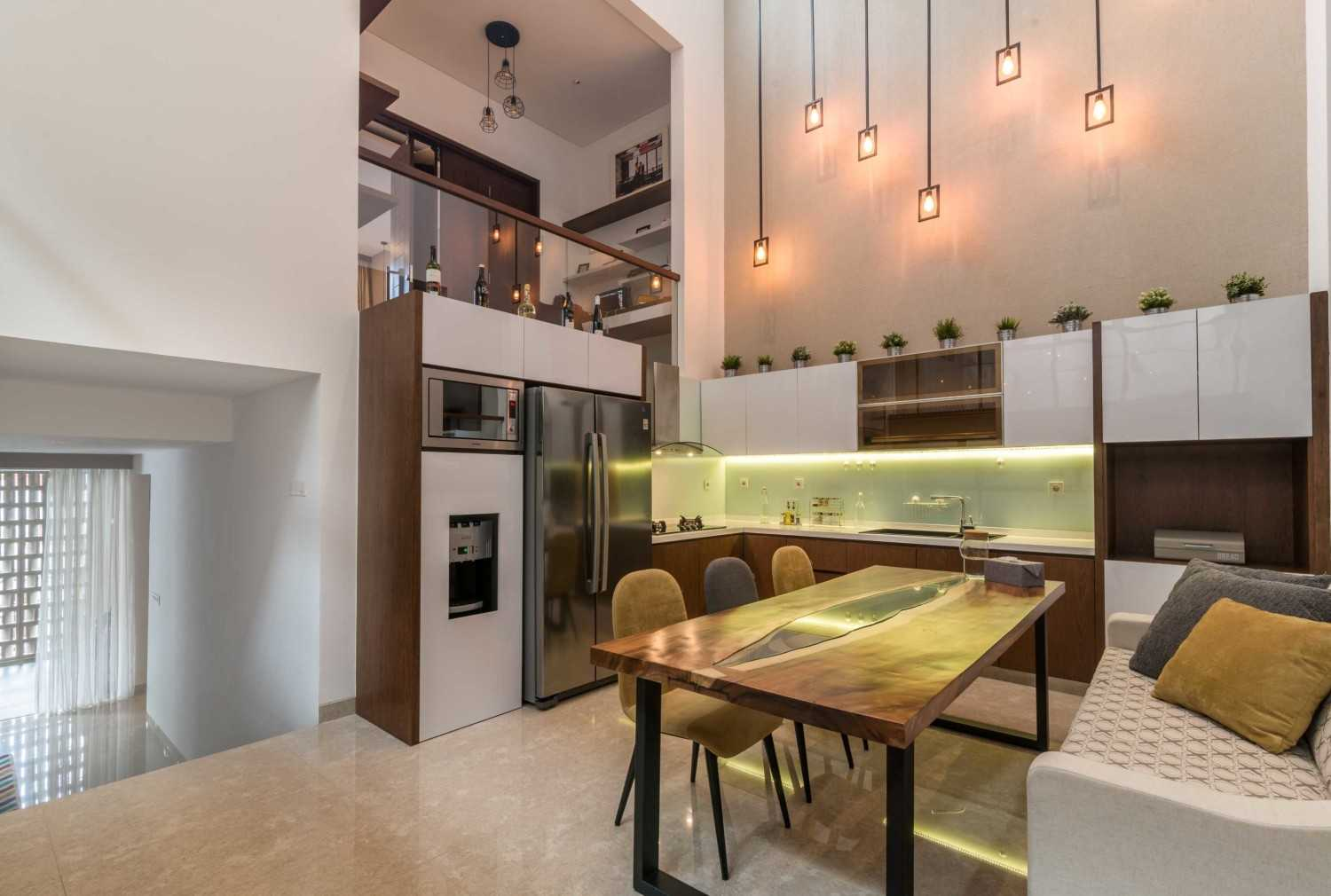 Archid Design&build Dast Residence Bandung, Kota Bandung, Jawa Barat, Indonesia Bandung, Kota Bandung, Jawa Barat, Indonesia Dining And Kitchen Area  49042