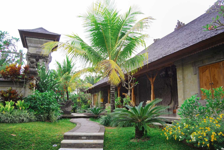 Made Dharmendra Architect Simmita Private Villa Pejeng Kangin, Tampaksiring, Kabupaten Gianyar, Bali, Indonesia Pejeng Kangin, Tampaksiring, Kabupaten Gianyar, Bali, Indonesia Exterior View  49310