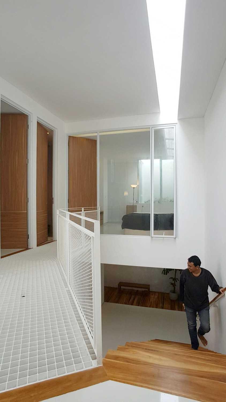 Studio Sa_E Heavy Rotation House Jagakarsa, Kota Jakarta Selatan, Daerah Khusus Ibukota Jakarta, Indonesia Jagakarsa, Kota Jakarta Selatan, Daerah Khusus Ibukota Jakarta, Indonesia 2Nd Floor View  51018