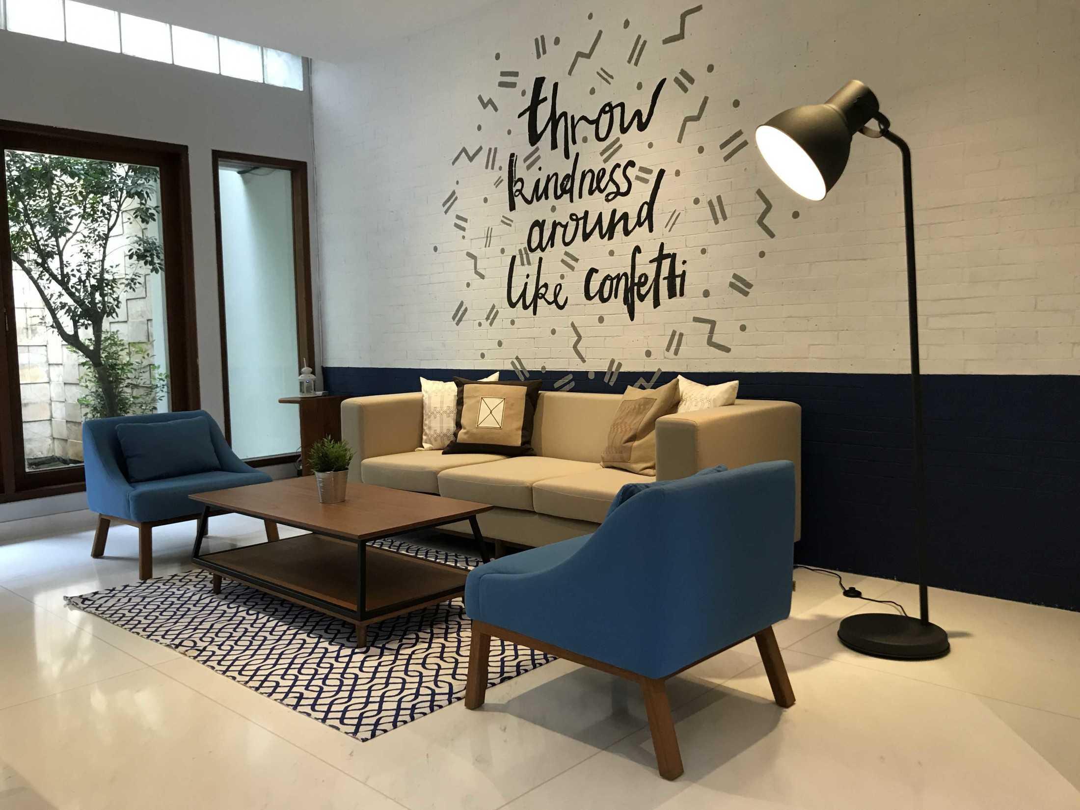 Home By Fabelio.com Komering Airbnb Gambir, Kota Jakarta Pusat, Daerah Khusus Ibukota Jakarta, Indonesia Gambir, Kota Jakarta Pusat, Daerah Khusus Ibukota Jakarta, Indonesia Living Room  53669