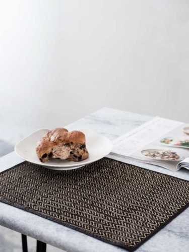 Hirame Placemate (Set Of Two) Natural Black KitchenKitchen TextilesPlacemats