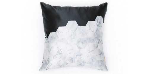 Hex Cushion Black DécorTextiles And RugsCushions
