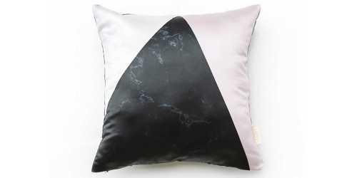 Foto produk  Bianco Pink Cushion Pink di Arsitag